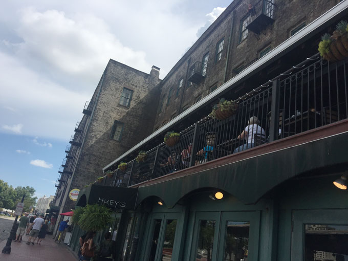 Dining and Shopping on a Historic Riverfront